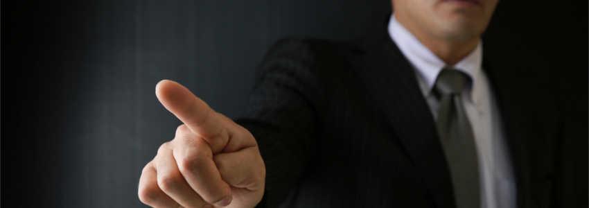 社長のパワハラでうつ病に。無断欠勤を理由に解雇すると言われたら、どうする?