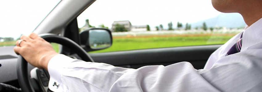 友人などの他人の車で事故を起こしてしまった!保険や修理費はどうなる?